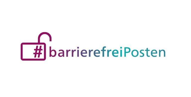 Eine Grafik eines geöffneten Vorhängeschlosses in dem ein Hashtag einthalten ist. Rechts daneben steht barrierefreiPosten.