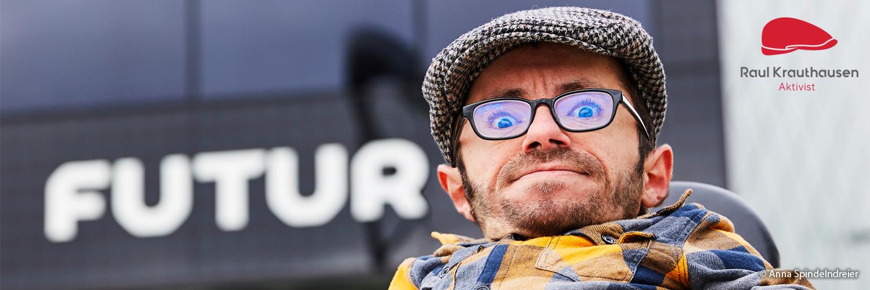 Foto von Raul: das Gesicht von einem weißen mann mit brille und mütze.