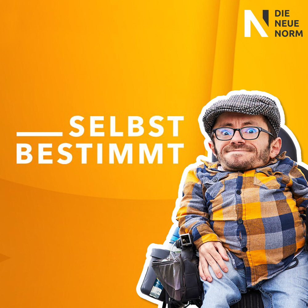 Foto von Raul Krauthausen vor gelben Hintergrund. links von ihm steht mdr selbstbestimmt.